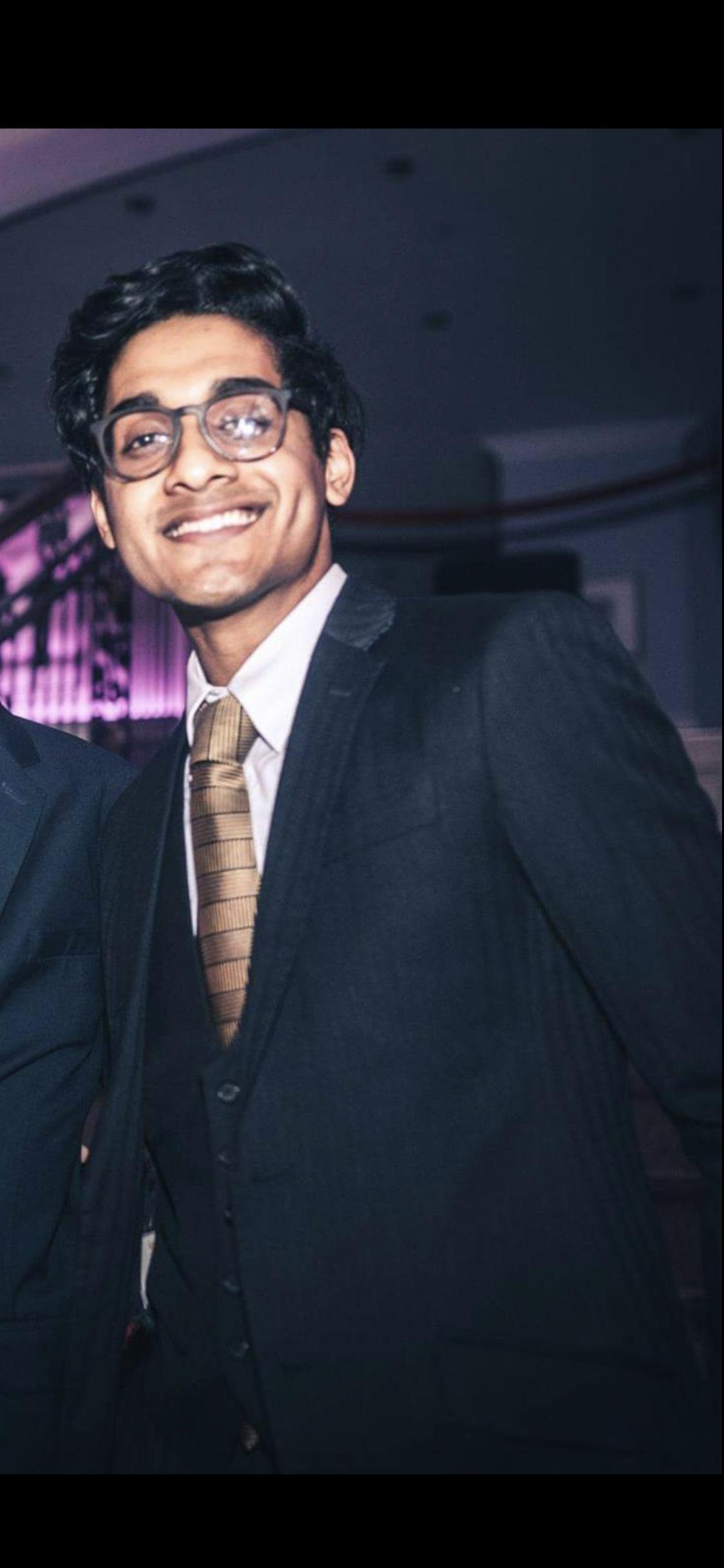 Dhruv  Karthik