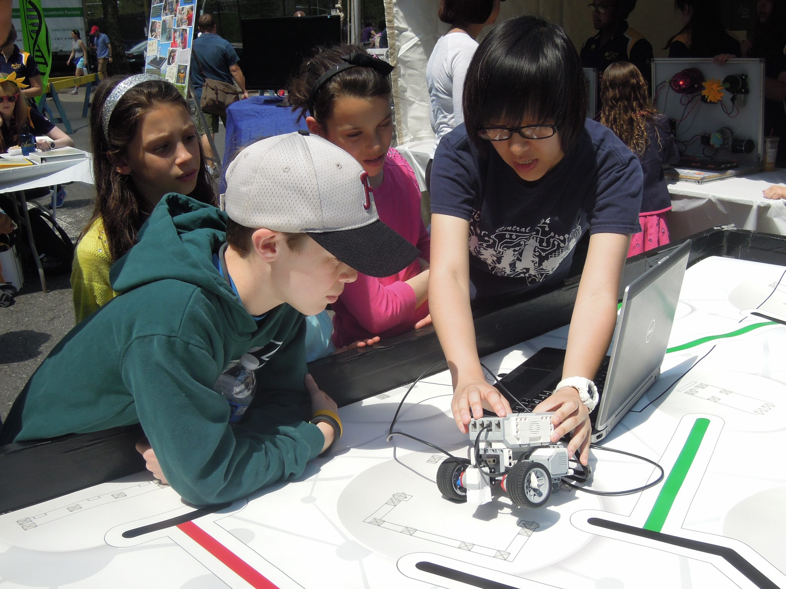 Carnival on the Parkway – Philadelphia Science Festival